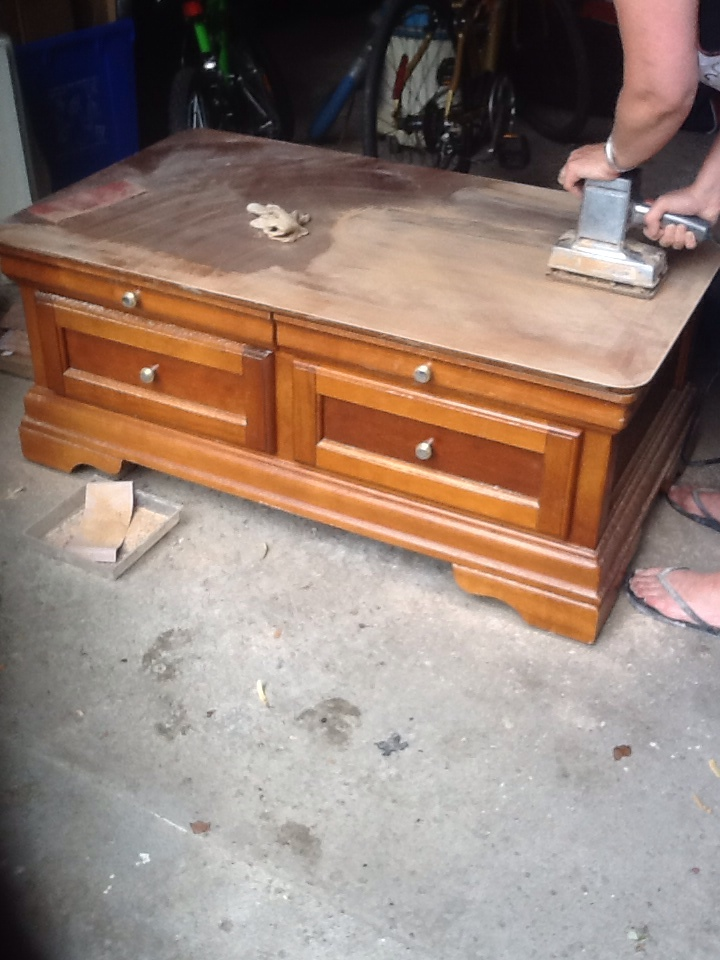 Refinishing a Coffee TableARTZCOOLS BLOG