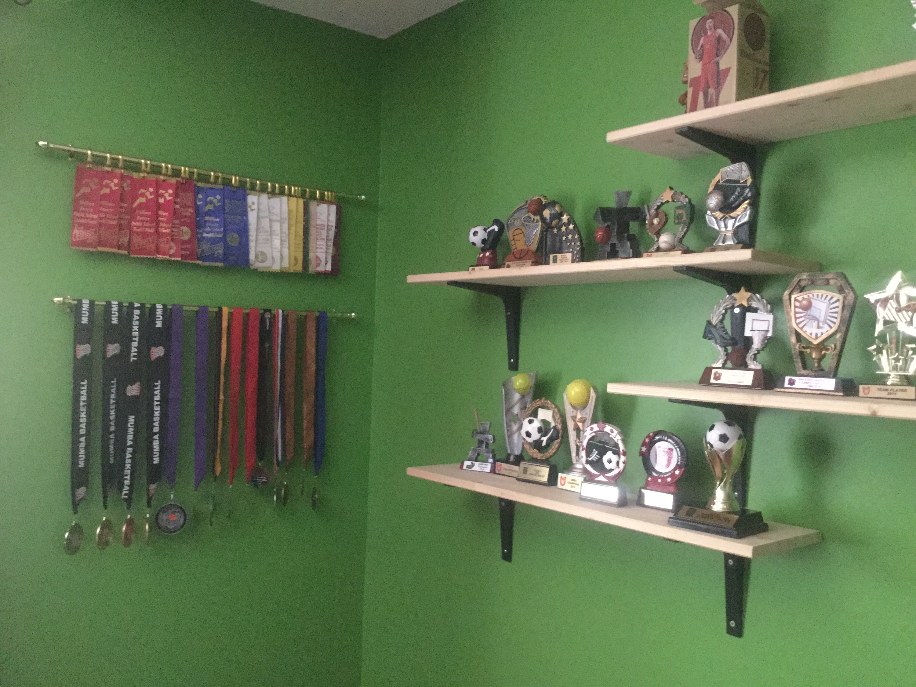 run running holders medal collage shelf display and great smile race